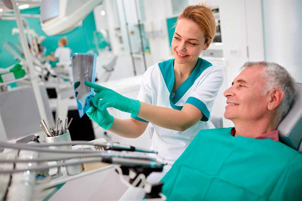 Com que frequência você deve visitar o dentista? Descubra aqui