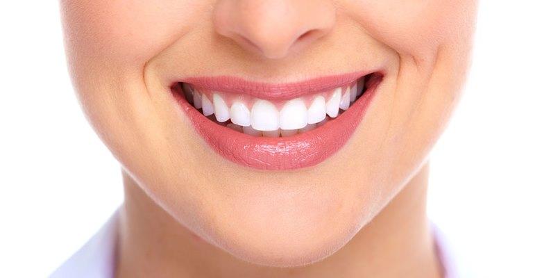 Conheça os principais nutrientes que fortalecem sua saúde bucal